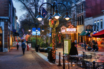 Cville-downtown-mall-xmas--700x464